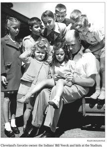 veeck-with-kids-1946